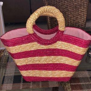 Handbags - EUC wicker tote